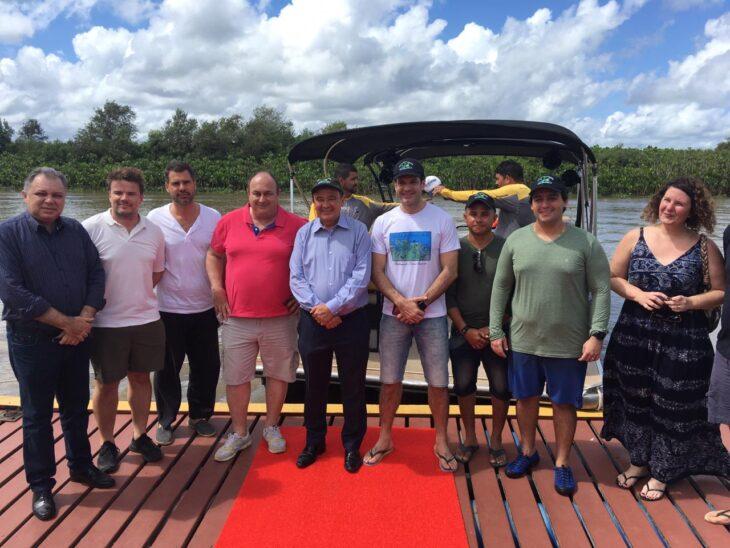 Ministro do Turismo conhece o litoral do Piauí e libera R$ 8 milhões para a Serra da Capivara