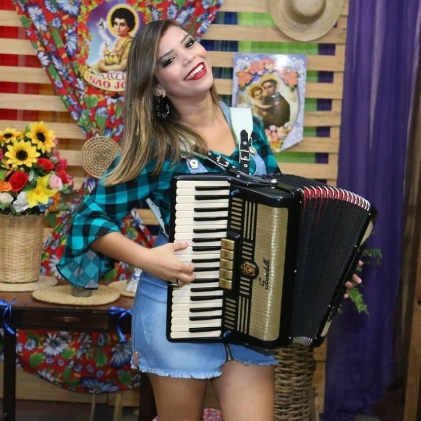 Cantora piauiense tem WhasApp clonado e criminosos pedem dinheiro para contatos