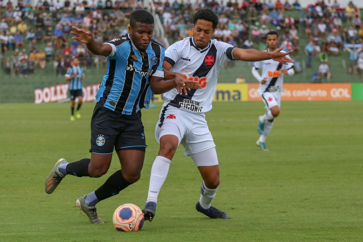 Grêmio e Oeste se enfrentam por vaga na final nesta quarta (22)