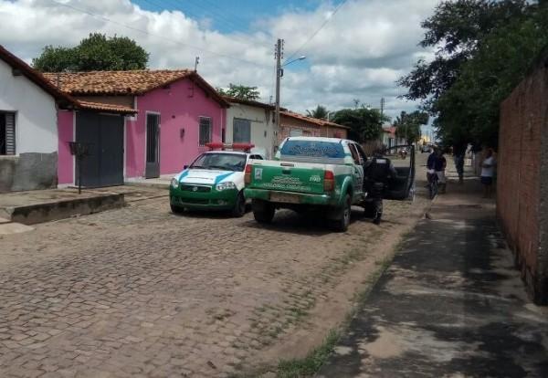 Idoso é assassinado a golpes de facão no Sul do Piauí