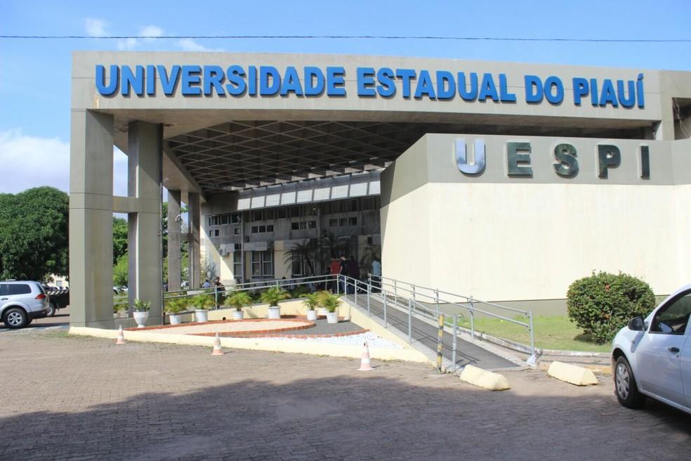 Uespi lança edital com mais de 200 vagas para cursos de especialização em Floriano e Teresina