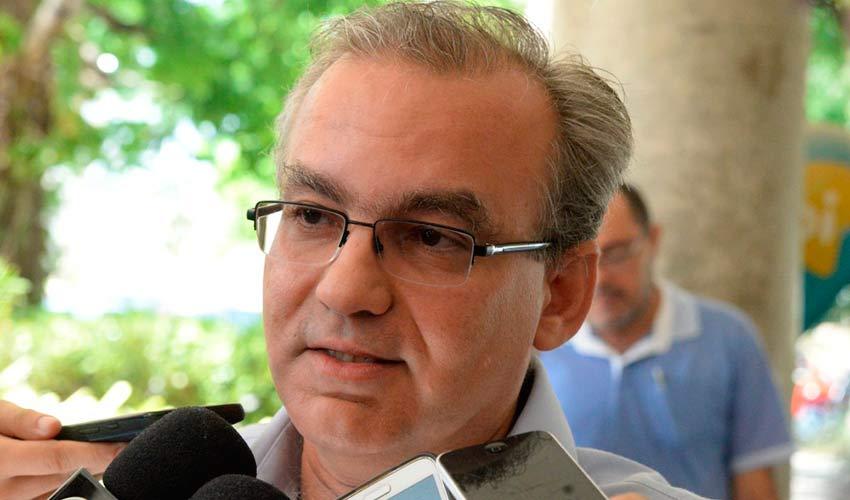 Firmino Filho suspende cobrança do IPTU em Teresina