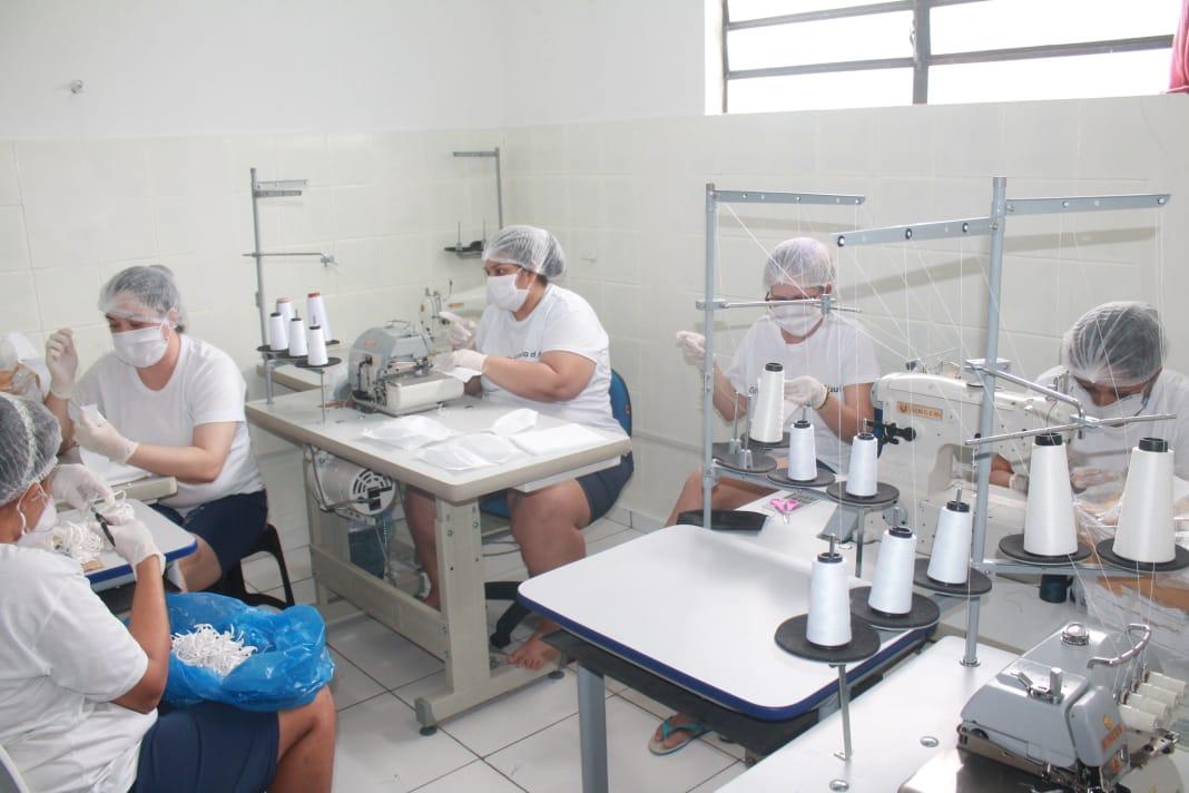 Detentas de Teresina produzem máscaras de proteção contra Covid-19
