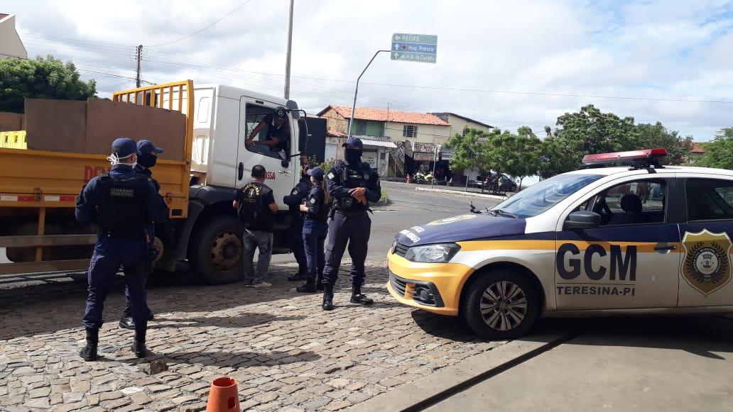 Guarda Municipal apreende carregamento de bebida alcoólica após descumprimento de decreto