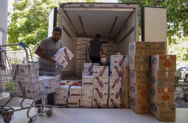Sesapi recebe equipamentos de proteção e distribui para hospitais