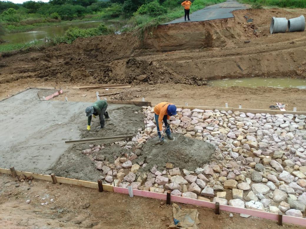 Com diminuição das chuvas, DER intensifica recuperação de estradas