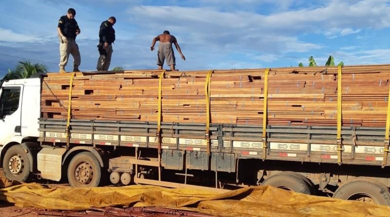 PRF apreende carregamento de madeira sem licença no Piauí