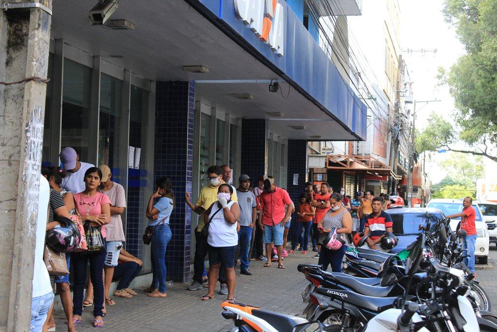 Novo decreto fixa medidas para evitar aglomerações em bancos, serviços financeiros e lotéricas