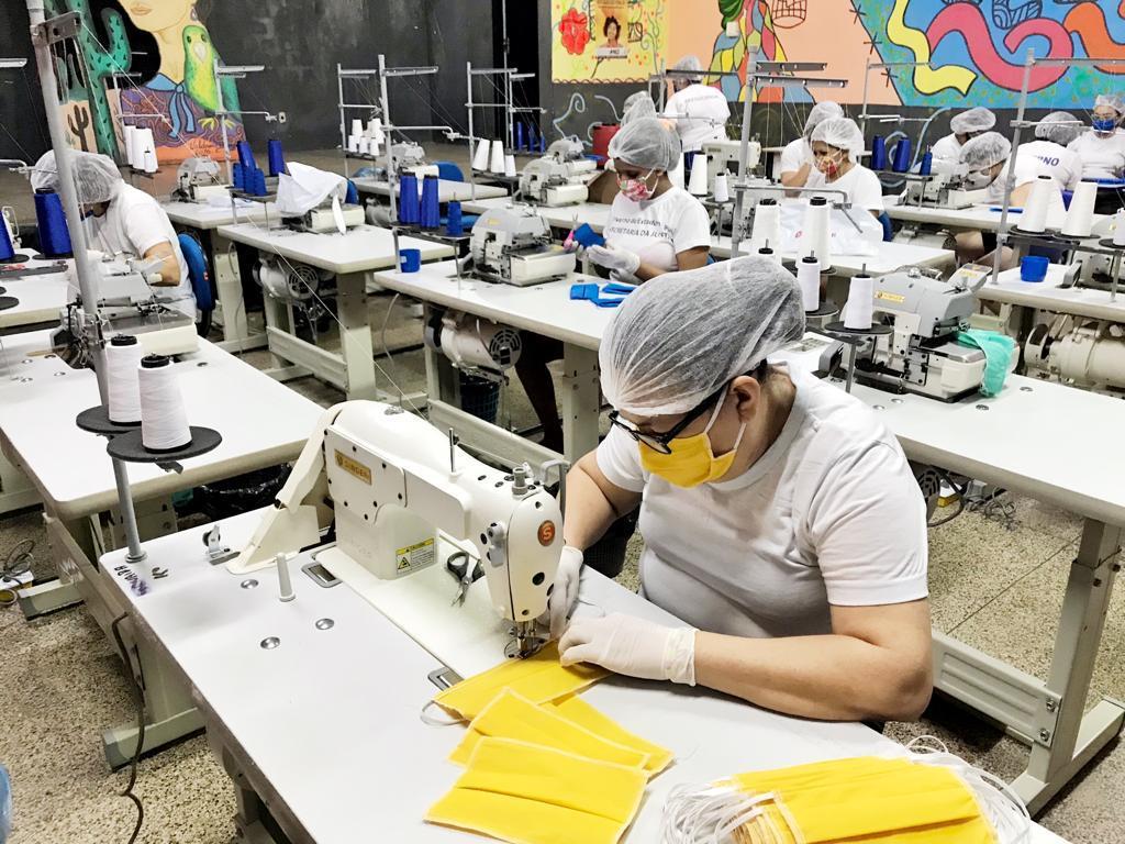 Sejus aumenta a produção de máscaras na Penitenciária Feminina de Teresina