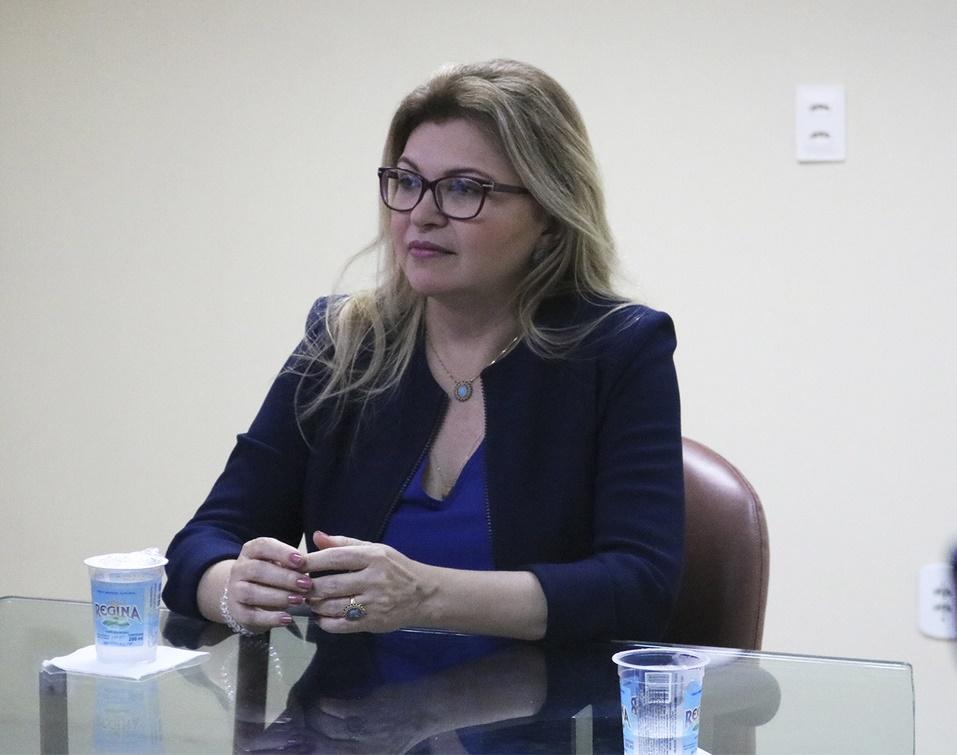 Procuradora-Geral de Justiça recomenda aos prefeitos que mantenham comércio fechado