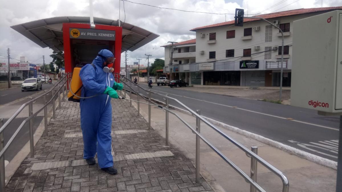 Prefeitura inicia sanitização de ônibus do transporte público