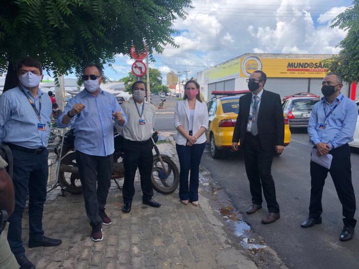 Parceria garante organização de filas e distribuição de máscaras em agências da Caixa