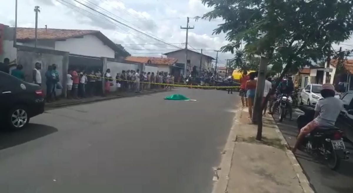 Mãe morre e filho fica ferido em colisão na Avenida Zequinha Freire