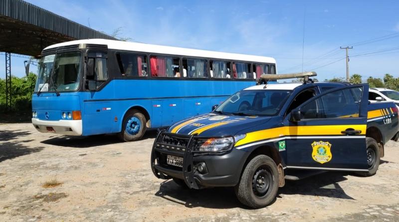 PRF intercepta ônibus com 35 passageiros que vinham de São Paulo