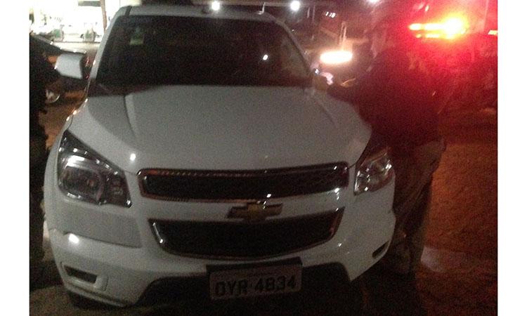Policia apreende carro roubado com placa de Pernambuco em Campo Maior