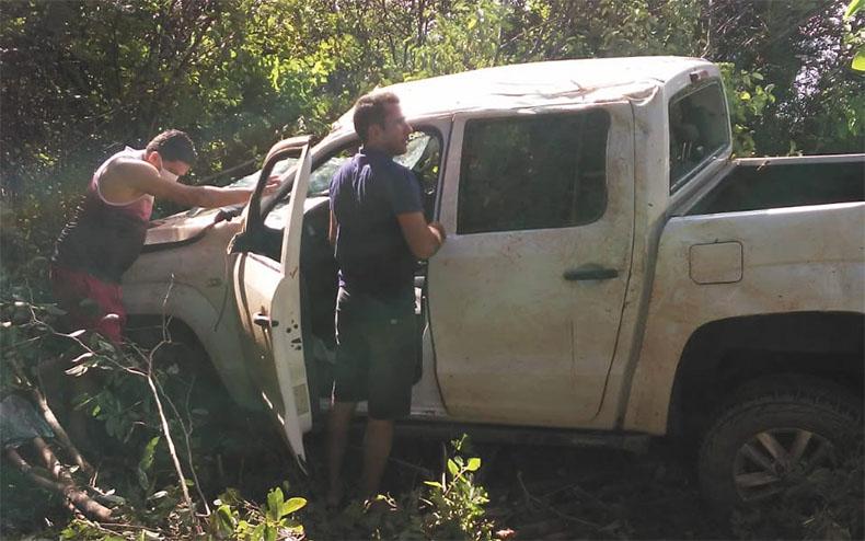 Prefeito e secretário de cidade do interior do Piauí sofrem acidente na PI-305