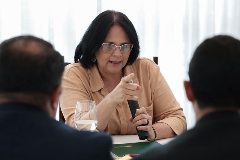 Damares Alves cita Wellington Dias e fala em 'prender governadores e prefeitos' durante reunião
