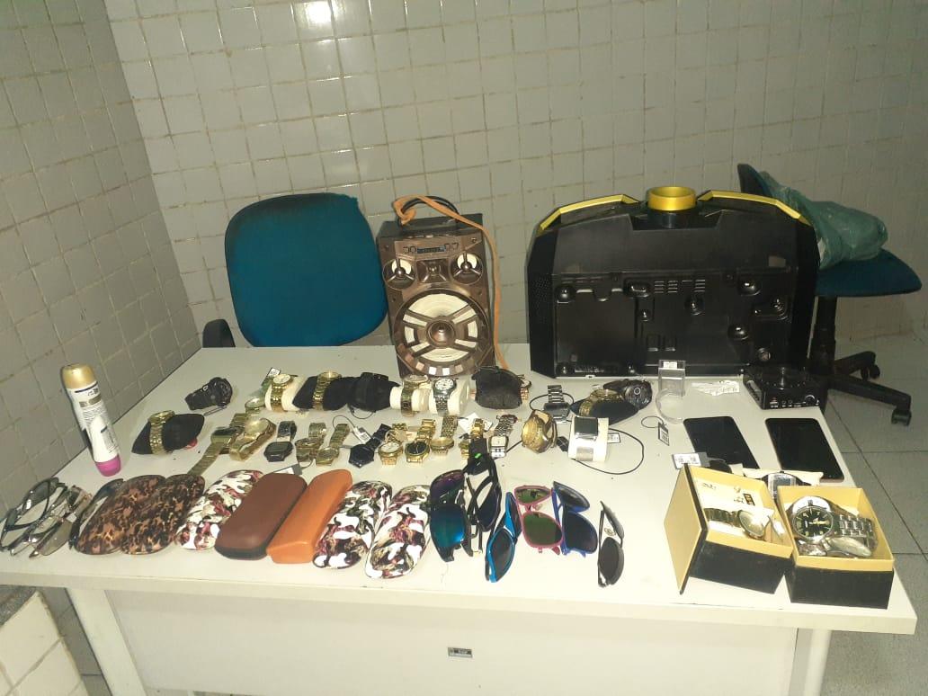 Casal é preso com produtos de roubo após denúncia da sogra na zona Leste