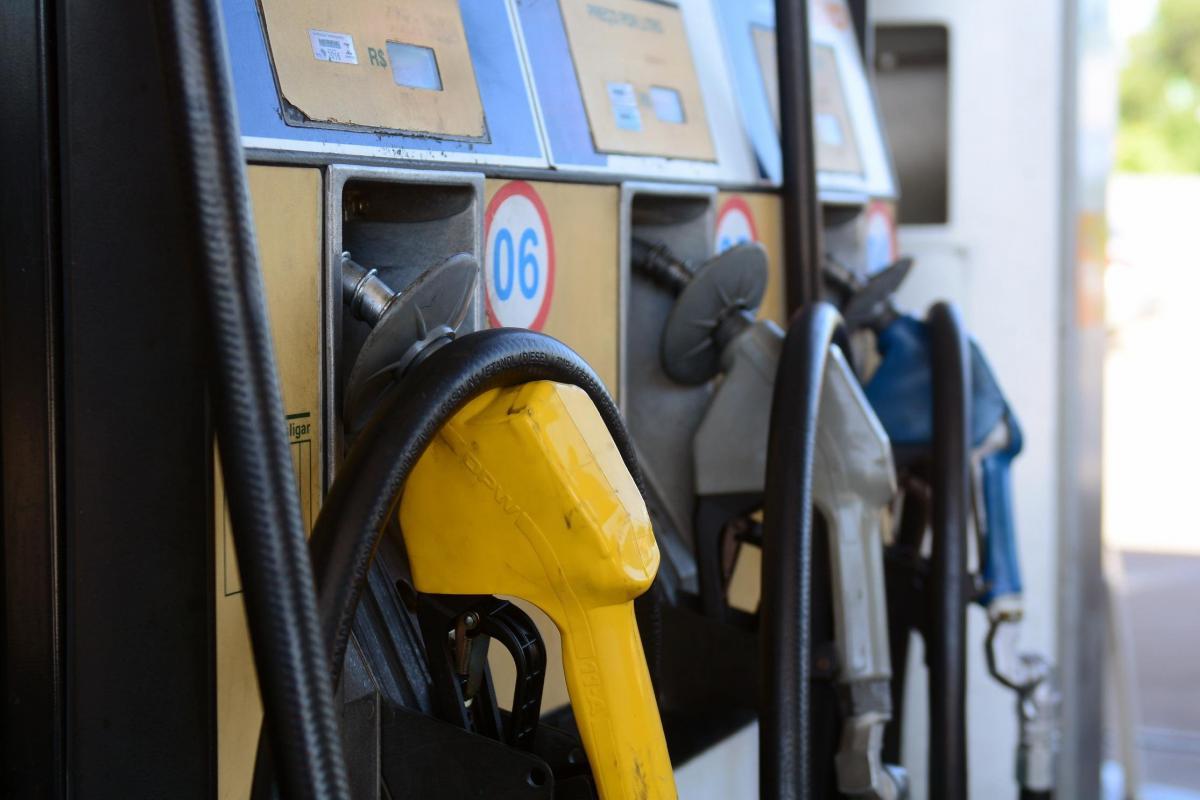 Petrobras anuncia aumento de 7% no diesel e 5% na gasolina nas refinarias