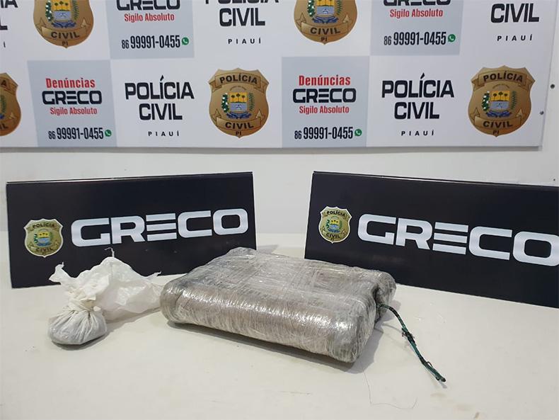 Homem suspeito de roubo é preso com artefato explosivo no bairro São Pedro