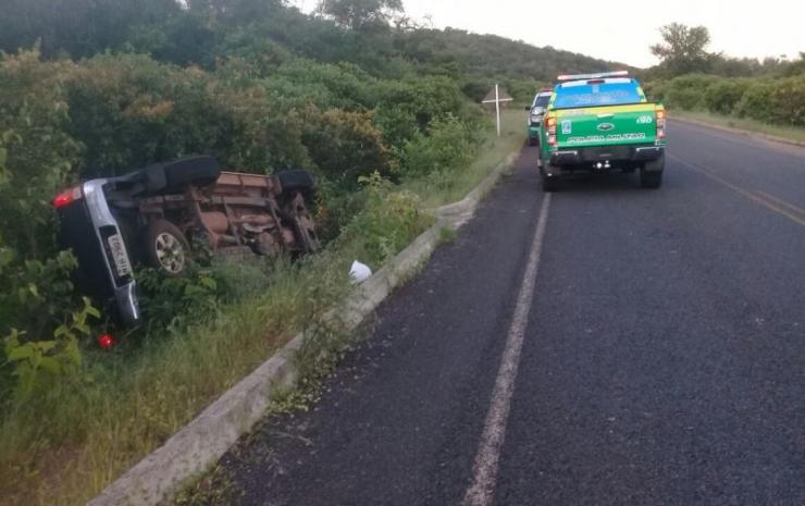 Durante fuga, bandidos roubam três carros e trocam tiros com polícia em Campo Maior
