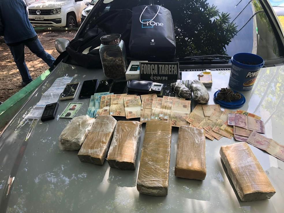 Casal é preso suspeito de tráfico de drogas no Centro de Teresina