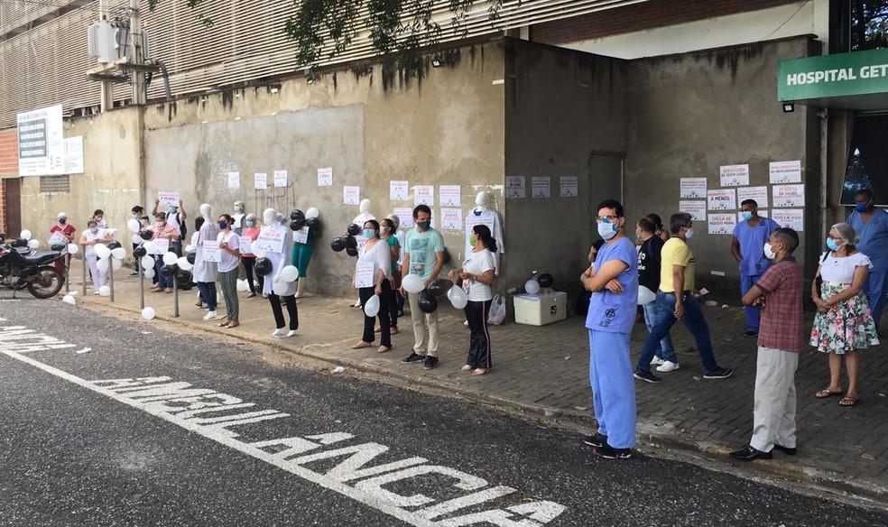 Profissionais da Saúde fazem protesto e pedem melhores condições de trabalho