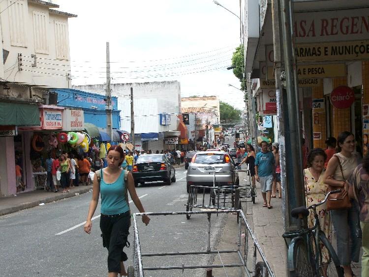 Proprietários de lojas do Centro de Teresina relatam falta de segurança