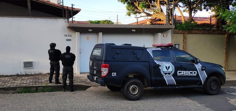 Jornalista Arimateia Azevedo e professor universitário são presos em operação na manhã de sexta-feira