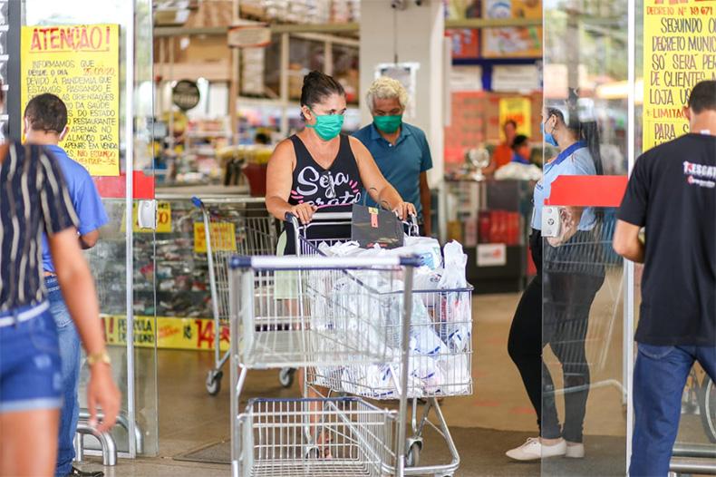 Guarda Municipal fiscaliza medidas contra a Covid-19 em supermercados