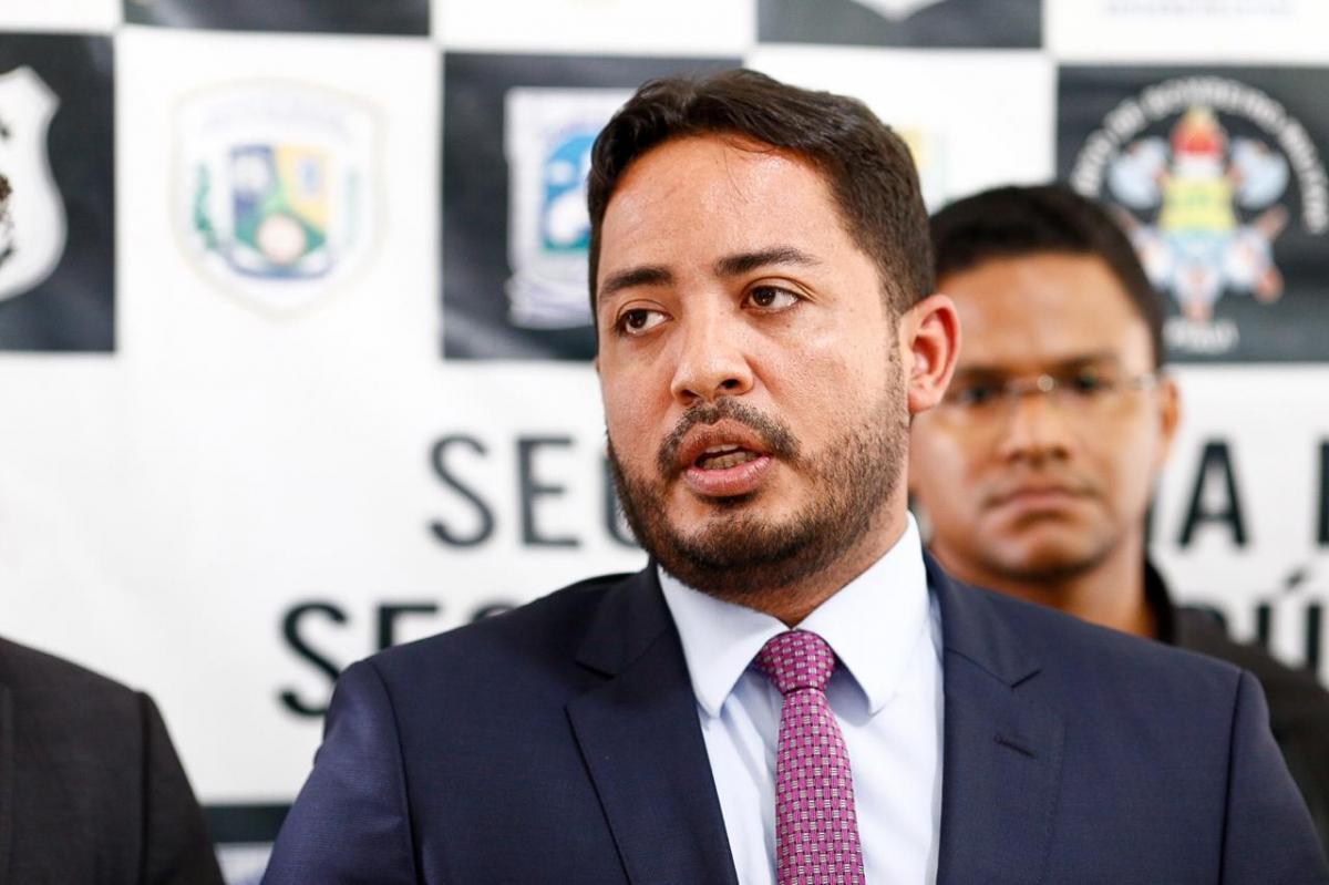 Ministério Público pede exoneração do secretário de Justiça Carlos Edilson
