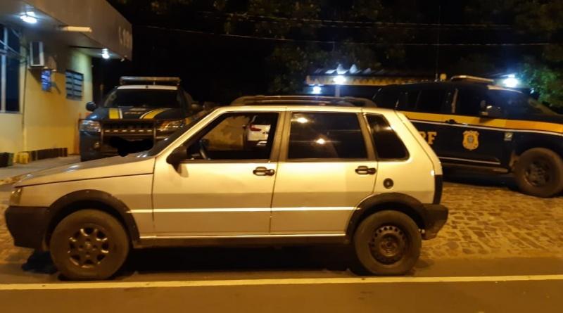 PRF recupera veículo roubado e prende dono de sucata por receptação na BR-316