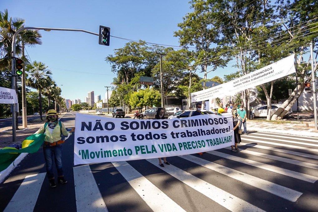 Em protesto, empresários de Teresina pedem retomada das atividades