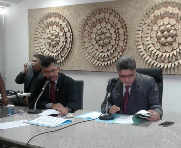Comissão da Alepi discute nome do novo presidente da Agespisa