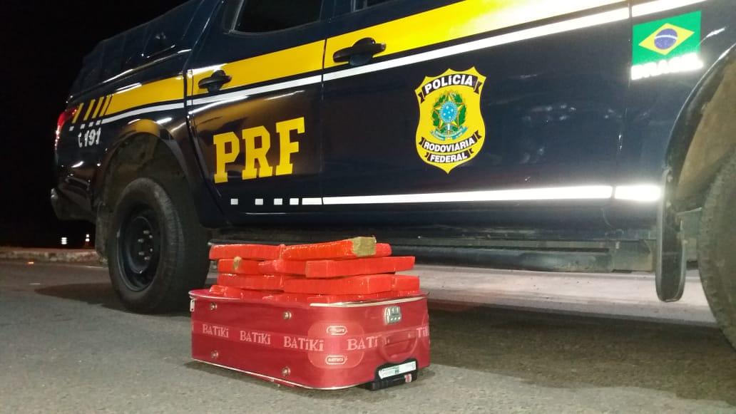 Passageiro é preso em flagrante com 14 kg de maconha em Floriano