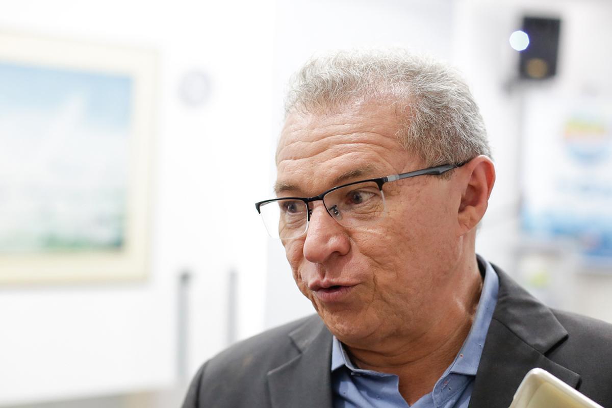 Deputado federal Assis Carvalho morre vítima de infarto