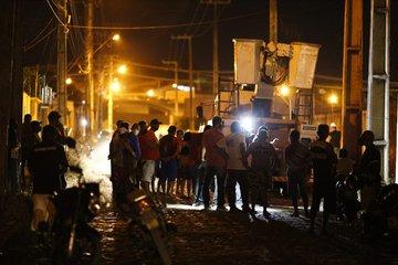 Funcionário da Equatorial morre após sofrer descarga elétrica durante manutenção de poste