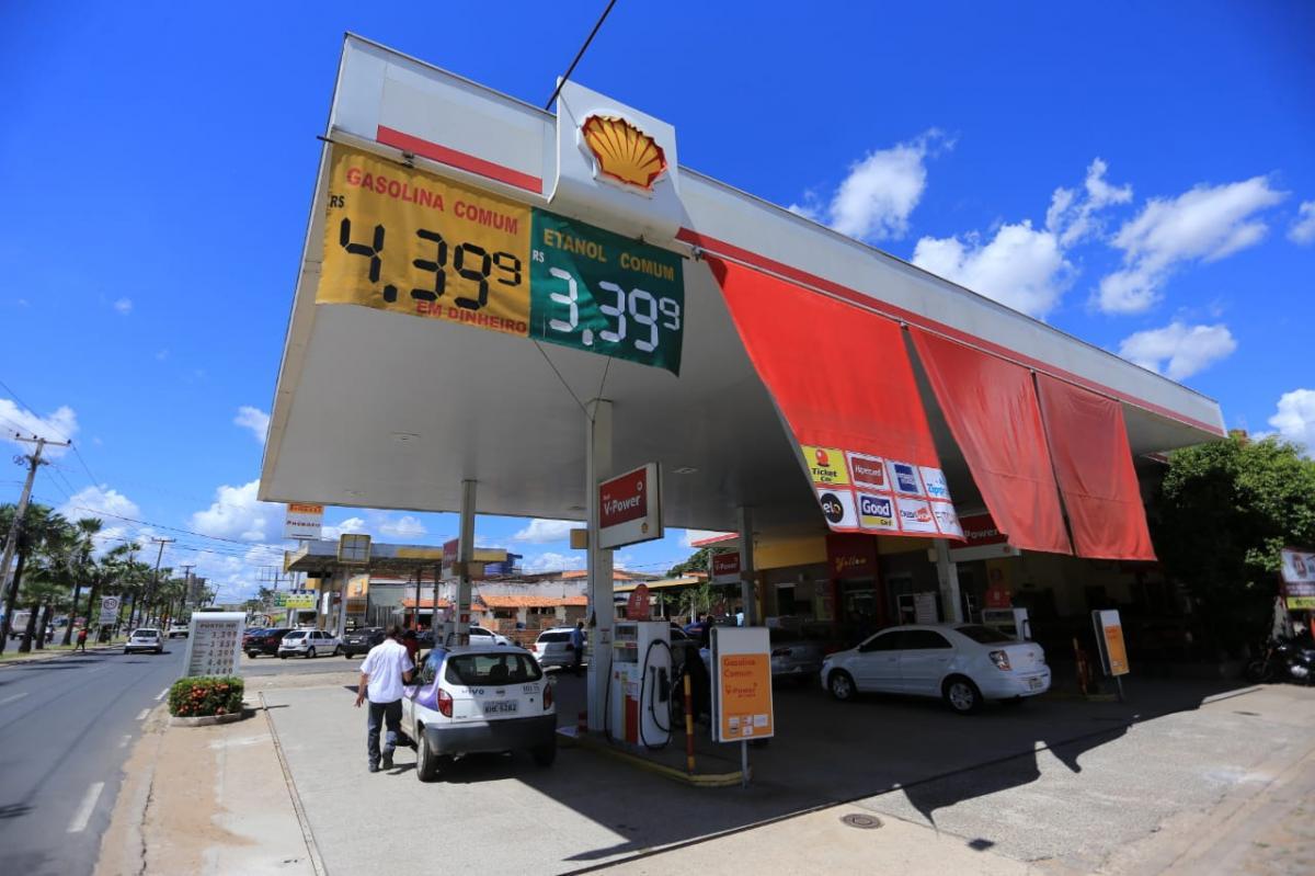Decreto amplia horário de funcionamento de postos de gasolina às sextas-feiras