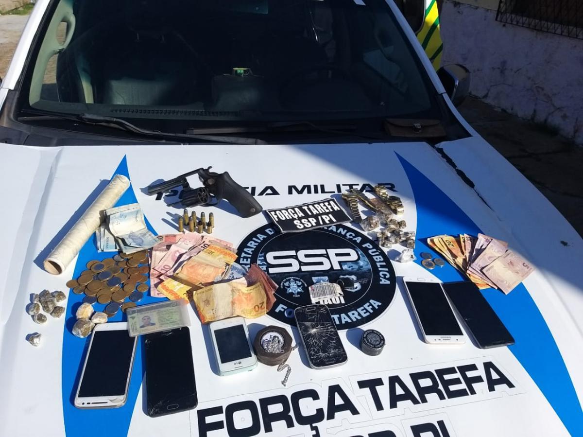 Três pessoas são presas suspeitas de tráfico de drogas em Campo Maior
