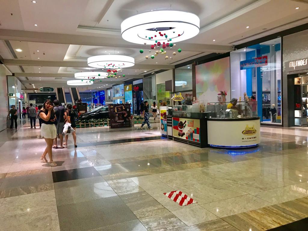 Shoppings adotam protocolos com medidas de segurança para reabertura em Teresina