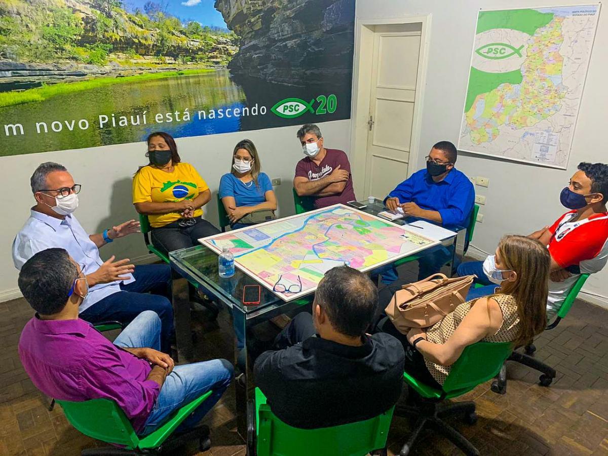 Valter Alencar realiza a primeira reunião técnica com equipe do PSC