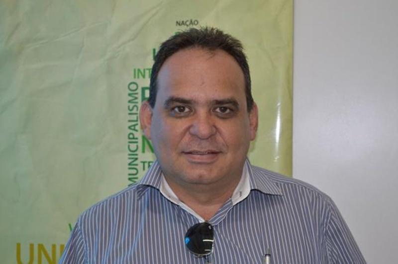 Com prefeito entubado, juiz determina posse vice-prefeito em cidade do Piauí