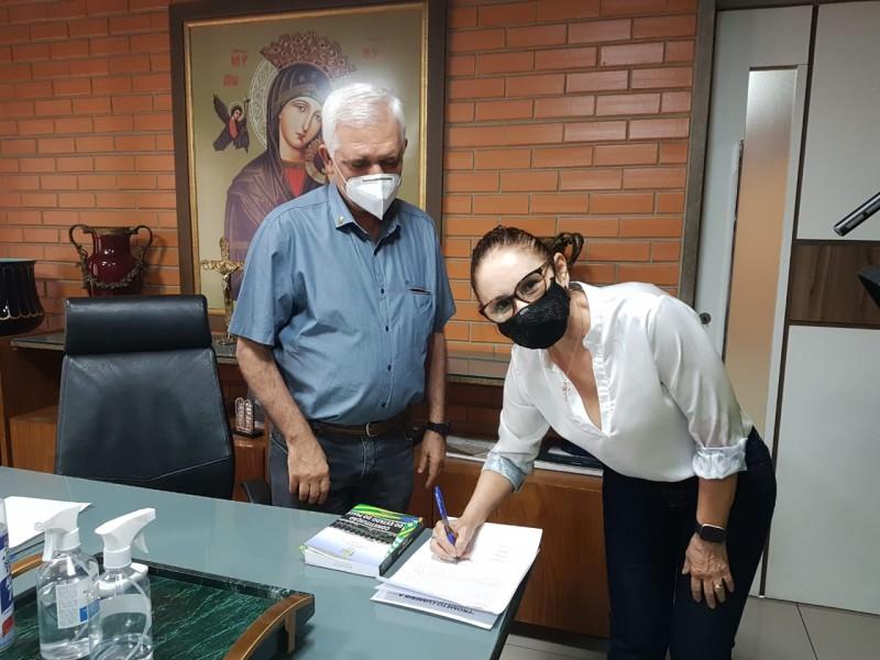 Liziê Coelho toma posse como deputada na Assembleia Legislativa