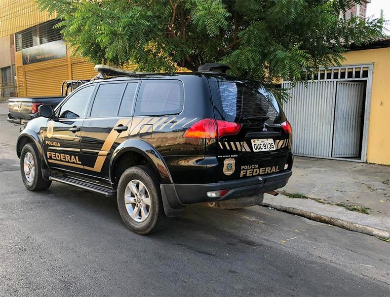 Polícia Federal cumpre mandados e prende suspeitos de fraudar empréstimos