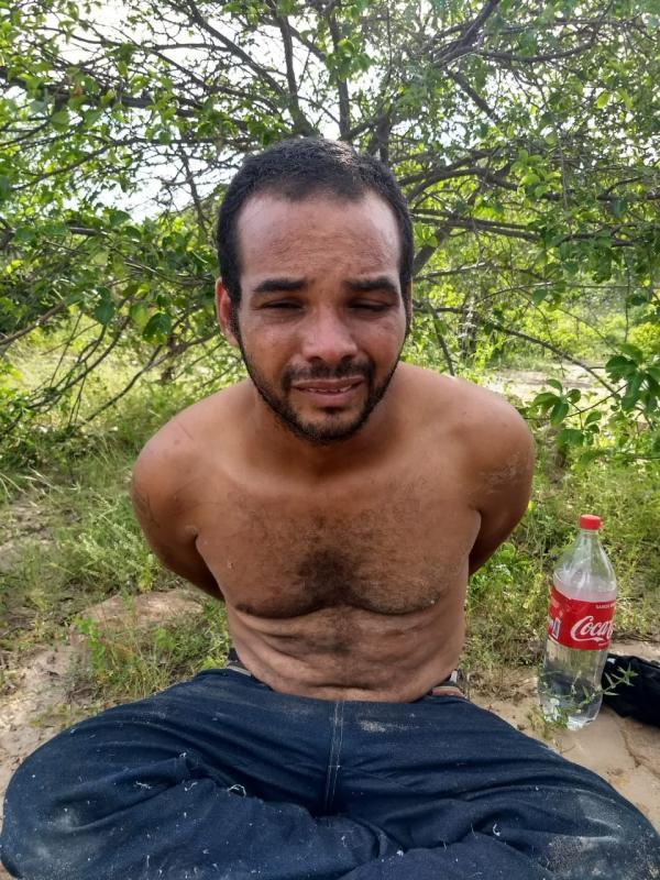 Suspeito de roubo a banco se entrega à Polícia após passar sete dias na mata no Norte do Piauí