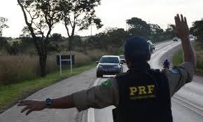 Operação da PRF já registrou 11 acidentes e uma vítima fatal neste feriadão nas BR's do PI