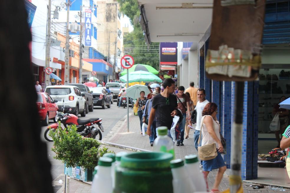 Lojistas cobram da Prefeitura funcionamento do comércio aos sábados