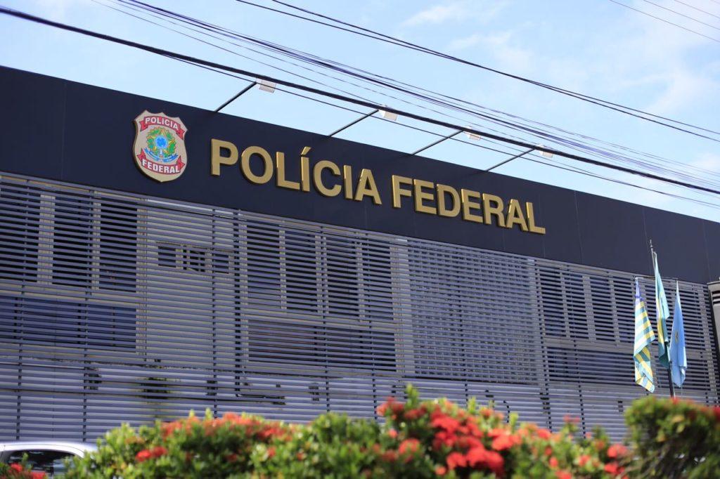 Polícia Federal cumpre mandados em investigação de venda de dinheiro falso no Piauí