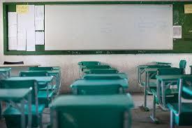 Decisão da presidente do TRT determina retorno das aulas para alunos do 3º ano