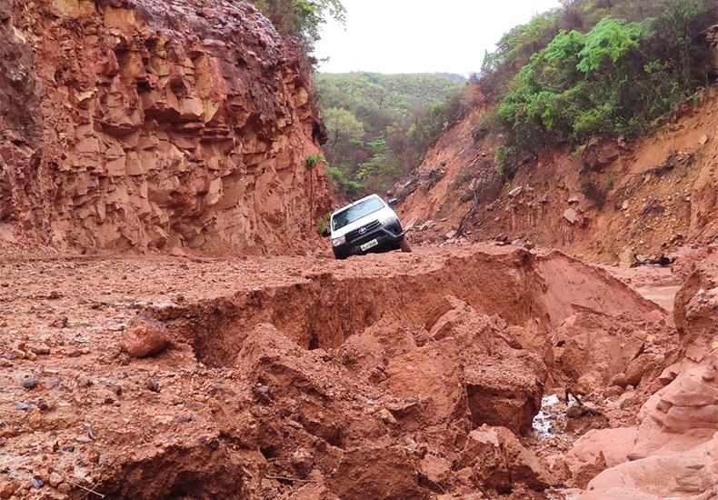 Forte chuva destrói trecho da PI-392 e atrasa produção de grãos no Sul do Piauí
